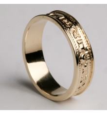 Gents Gold Claddagh Wedding Band