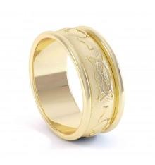 Gents Gold Claddagh Wedding Band